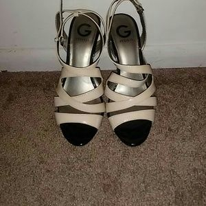 BEIGE LEATHER STRAPPED HEELS